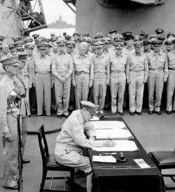 Douglas MacArthur signing Japanese surrender