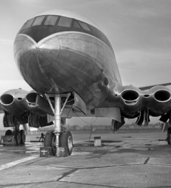 A de Havilland Comet on the runway