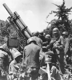 Korean War gun crew